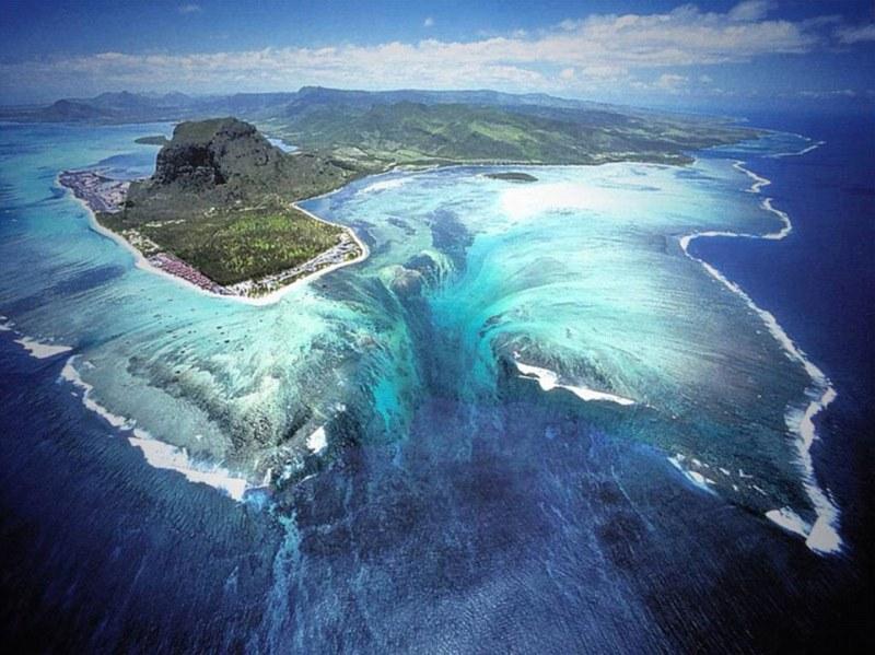 Mauritius264A684600000578-0-image-a-1_1425434785350