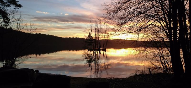 Soluppgång vid Finnsjön den 3 dec DSC_0283