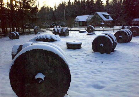 Kvarnstenar Lugnås20090215106