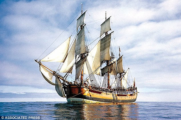 5061F96D00000578-6183283-Pictured_a_replica_of_the_HMS_Endeavour_The_HMS_Endeavour_is_one-a-16_1537329783547 (1)